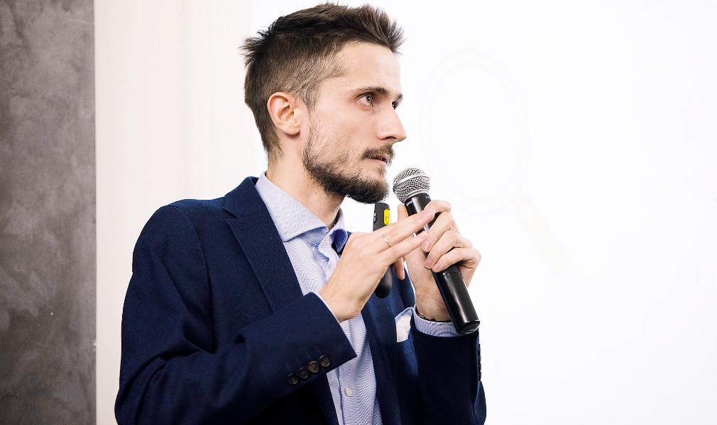 Петр Аброськин