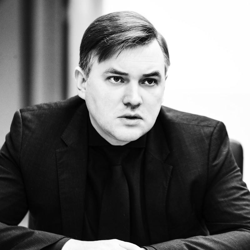 Андрей Ермак, Круглый стол
