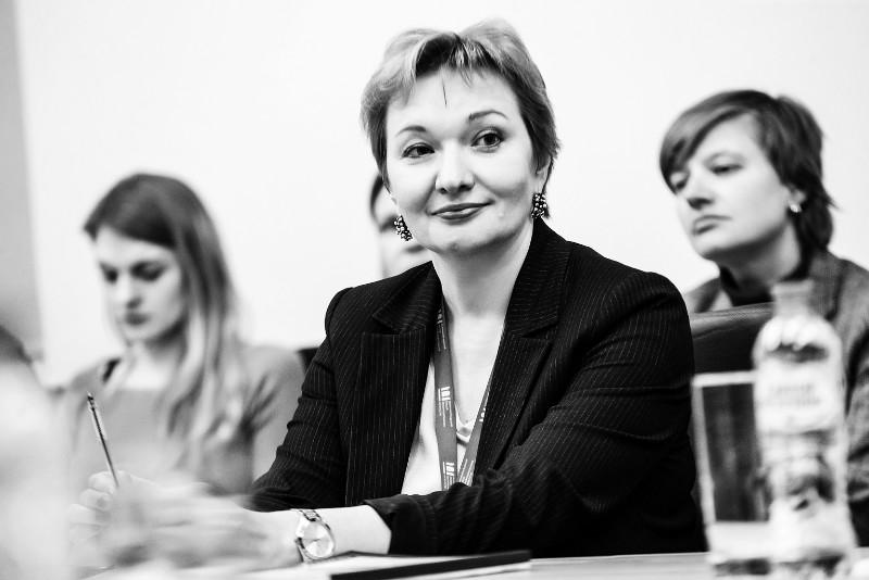 Галина Заболотская, Круглый стол