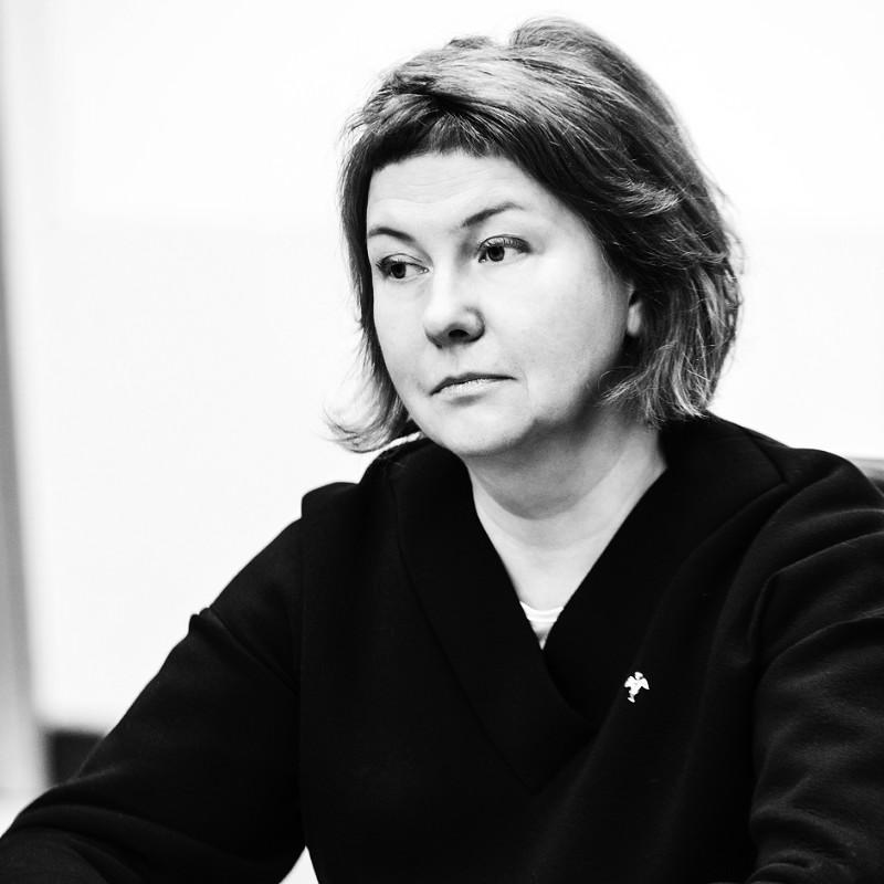 Елена Цветаева, Круглый стол