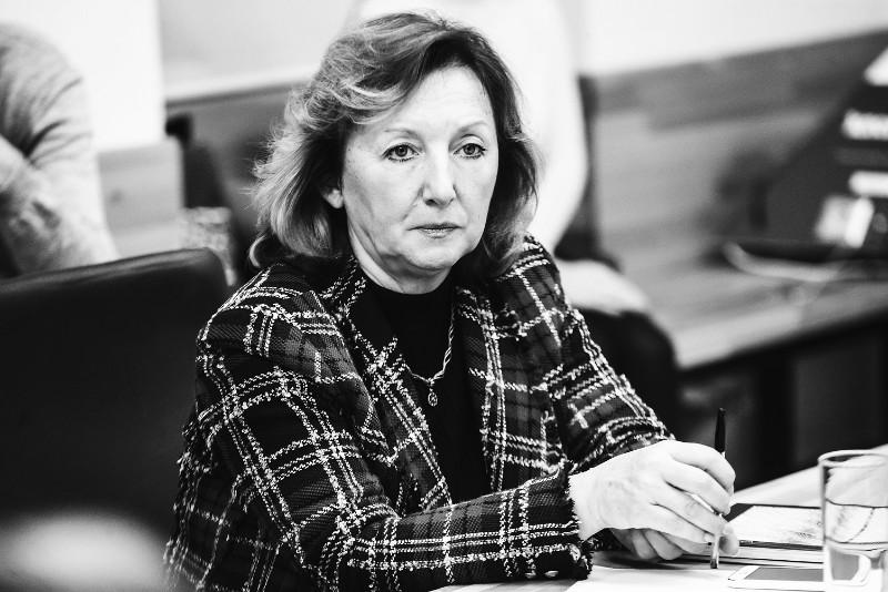 Ольга Щеглова, Круглый стол
