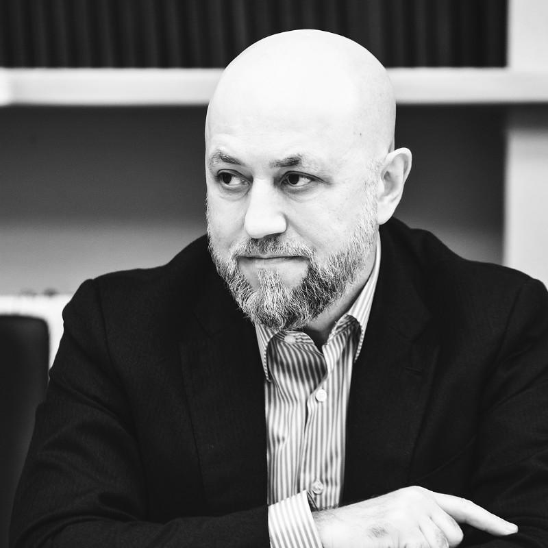 Рустам Алиев, Круглый стол